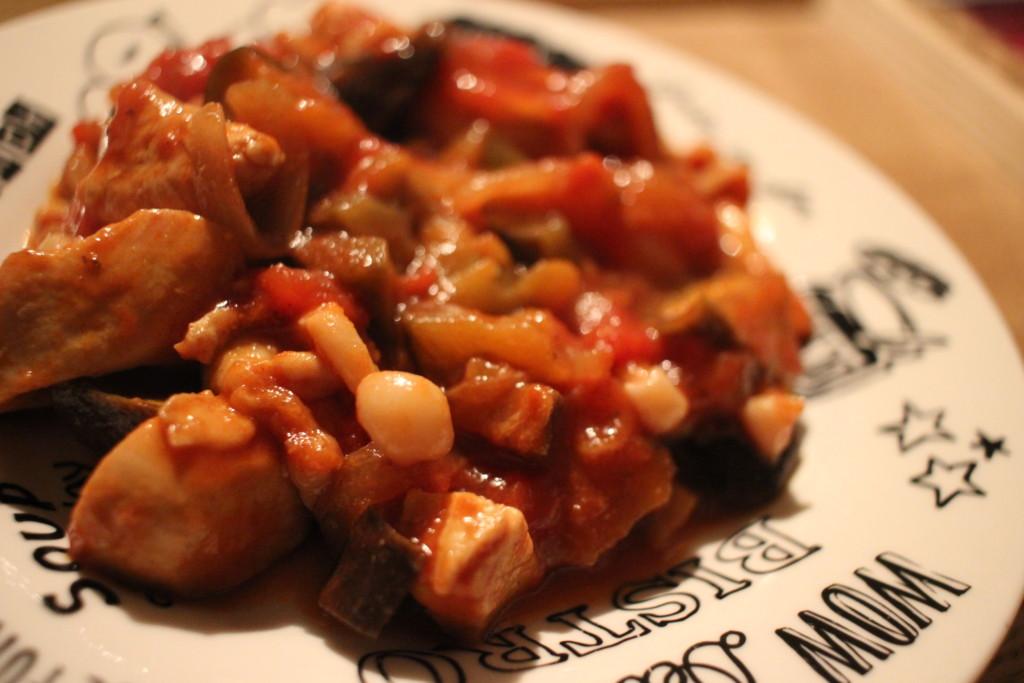出来上がった鶏胸肉のトマト煮込みの画像