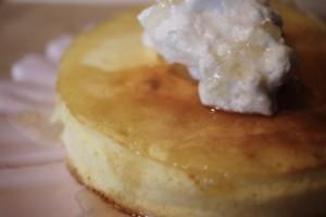 休日ごはんはコレで決まり!ふわふわ×たまご濃厚な究極パンケーキの作り方