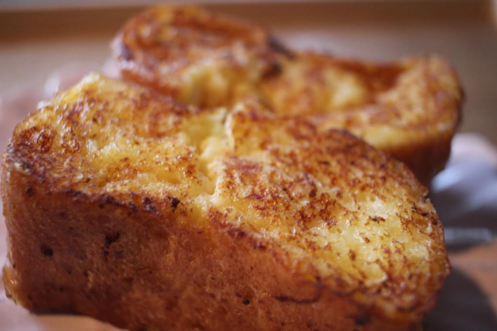 フランスパンのフレンチトーストの完成した画像