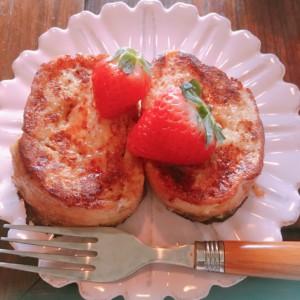 フランスパンで作るサクとろフレンチトースト!アレンジ例も紹介