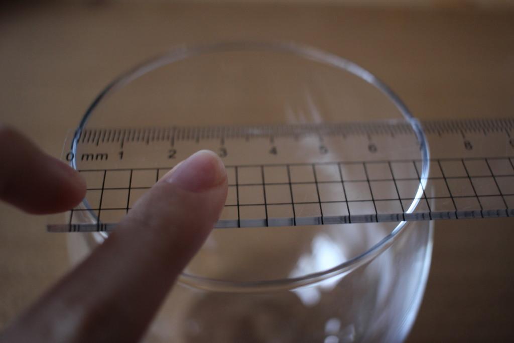ダイソーで購入できる薄グラスのサイズ