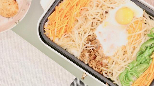 ホットプレートご飯の画像