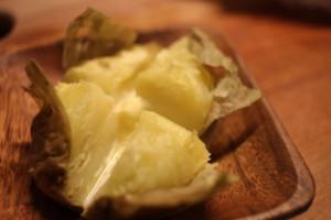 【レンジで簡単!】ホクホク「じゃがバター」の作り方