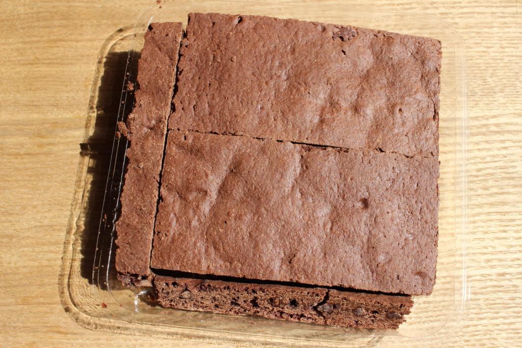 ローソンで購入できる、割れチョコブラウニーの中身の写真