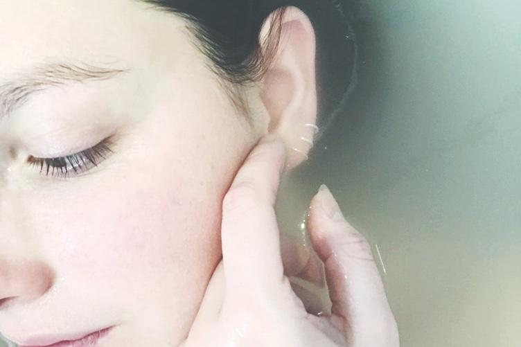 オルビスオフクリームは肌の潤いをキープしてくれるクレンジング