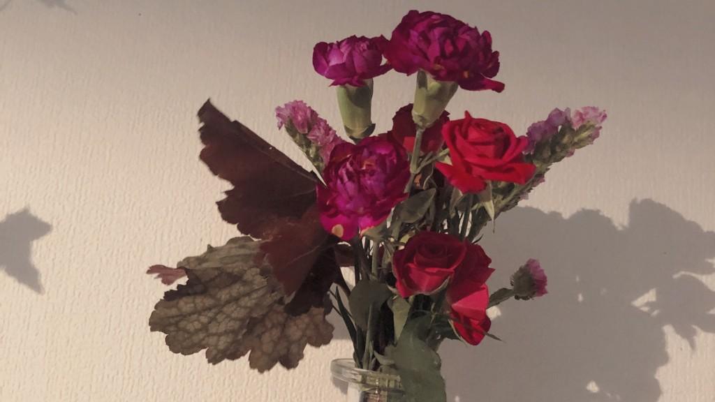 Bloomee LIFEから届いたお花を活けてみた