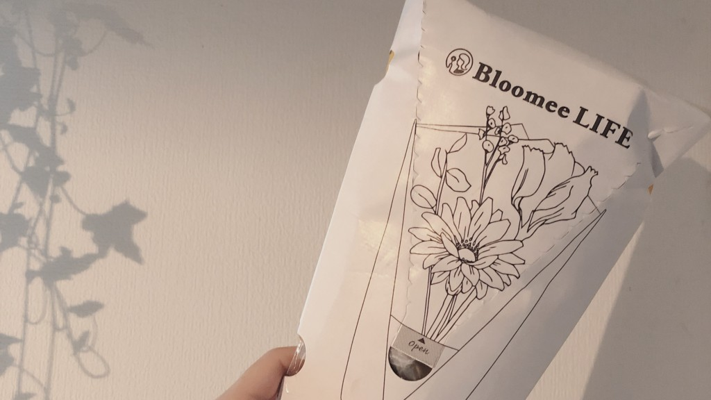 Bloomee LIFEから届いたお花