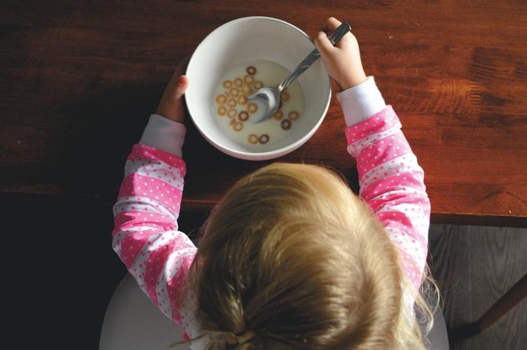 子供に豆乳を飲ませることで得られるメリットとデメリット