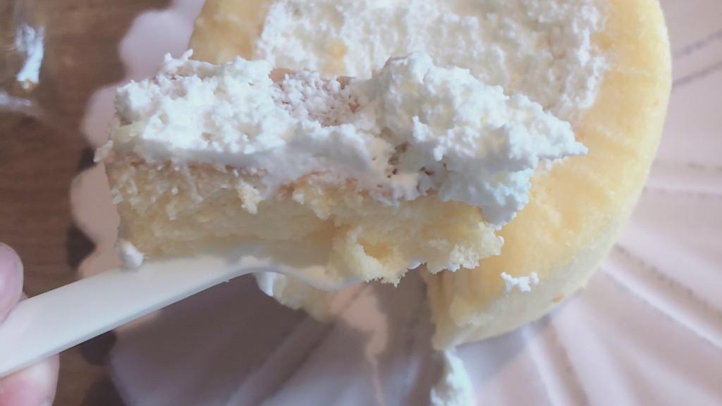 ローソンの2倍になったプレミアムロールケーキの甘さ