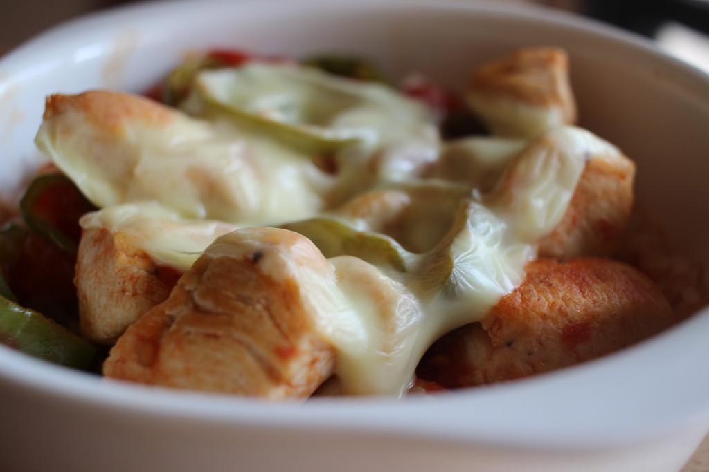 鶏むね肉で作る!とろーりチキントマト煮込みドリアの材料