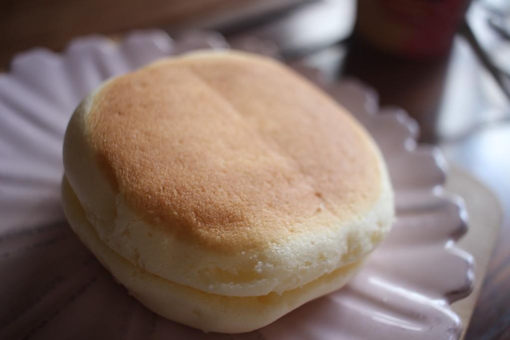 チーズやスフレ好きな方は、ぜひ山崎製パンの「焼きチーズスフレ」を食べてみて!
