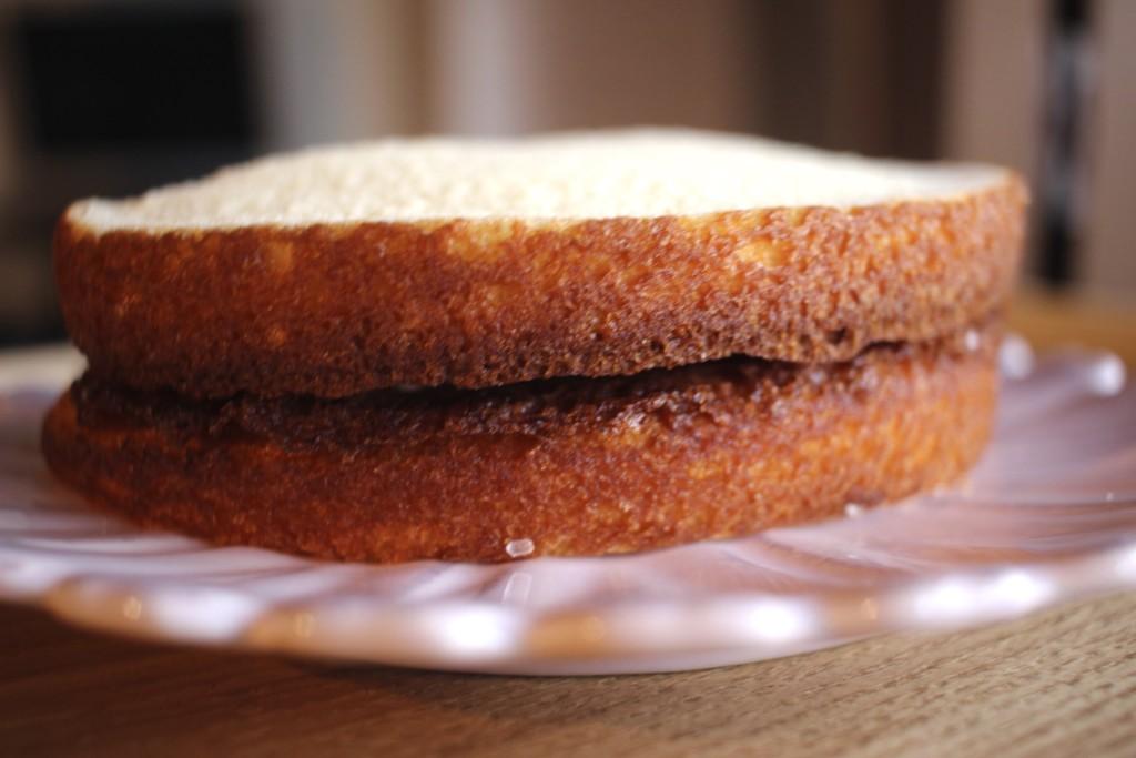 幻のパン「アポロ」を再現したスペースアポロの側面