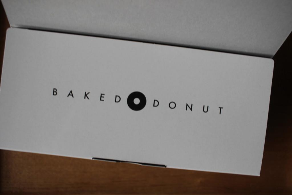 堂島ベイクドドーナツの箱