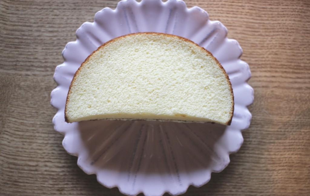 幻のパン「アポロ」を再現したスペースアポロの中身