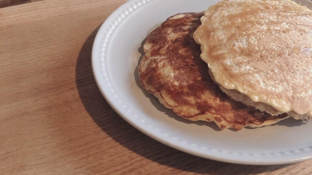 小麦粉不使用!オートミールで作るパンケーキの作り方