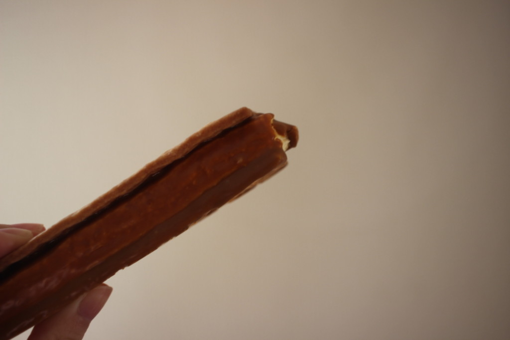 ローソンで購入できる流奏キャラメルサンドは手で持って気軽に食べれるスイーツ♪