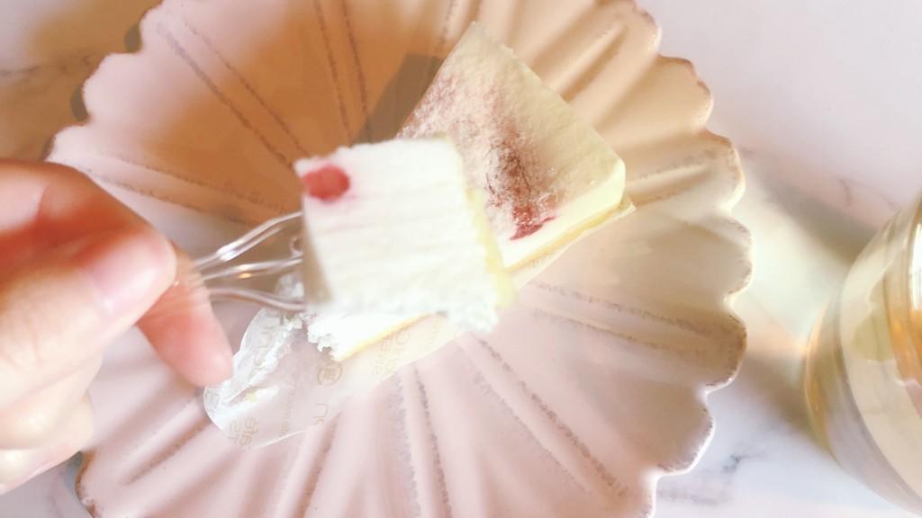 苺レアチーズケーキの気になるお味は?
