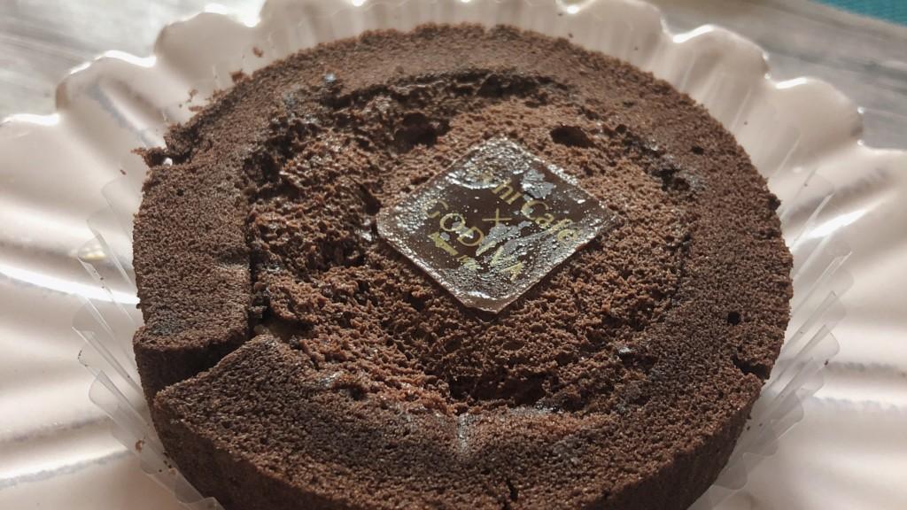 ローソン×GODIVA「ショコラロールケーキ」は、自分へのご褒美にピッタリ♡