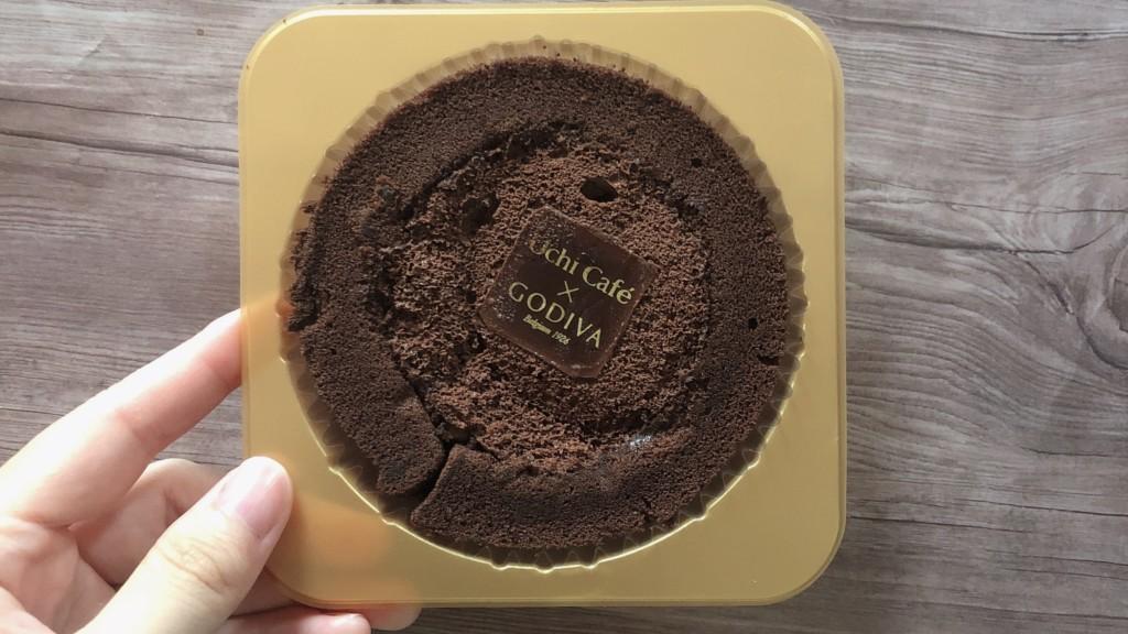ローソン×GODIVA「ショコラロールケーキ」を開封♪